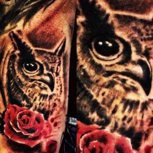 Owl and red rose #tattoo #owlandrose #rosetatto #owltattoo #ink #cheyennehawk #artist #realistictattoo #realism #Tattoodo