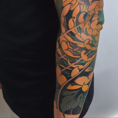 Chrysanthemum:) #tattoodo #inkjecta #wearesorrymom #killerinktattoo #chrysanthemum #japanese #irezumi #flower