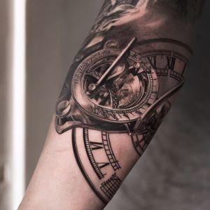 Clock #clocks #compass #direction #wanderlust #hyperealism