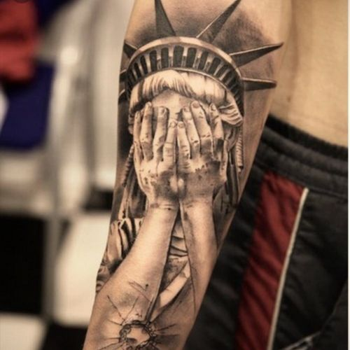 Powerful #statueofliberty #tears #sad #usa #sleeve