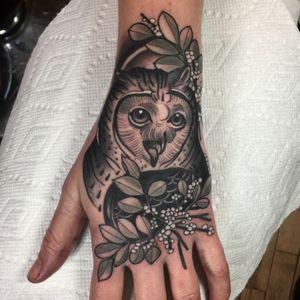 Tawit tawoo, owl hand for Megan tonight at @Kings_Avenue_Tattoo_Manhattan