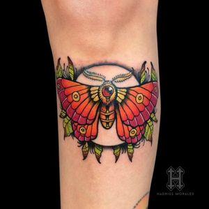 Moth tattoo #ilustracion #tattoo #tatuajes #tatuadorescolombianos #hadrissm #tattoo #inked #black #skin #art #arte #arteenlapiel  #tattoocolombian #bogota #tattoobogota #medellin #tattoomedellin #colortattoo #colombiatattooartist #tattooartist #cheyenne #criticalatom