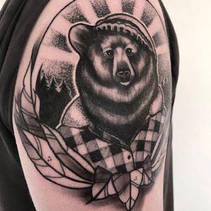 #neotraditional #bear #blackandgrey #owndesign #dotwork #sketchy