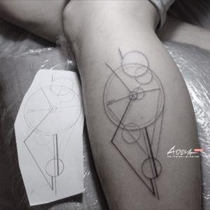 #geometric #tattoodesign #blackandgrey #linework  #koreatattoo #blackwork #blackworker #adelatattoo