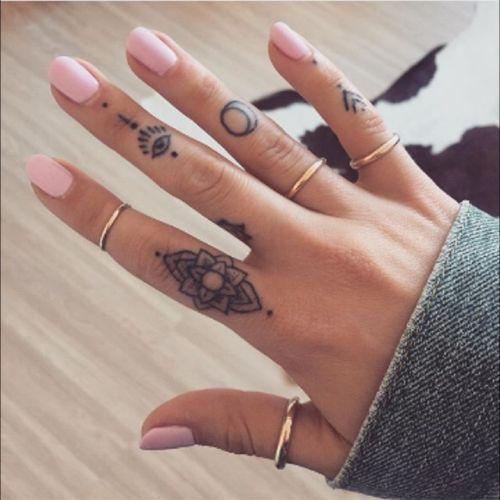 Beautiful finger tattoos #delicate #special #mandala #symbols #ornaments #linework #blackwork #mandala #cute #fingertattoo #fingertattoos via Instagram @ellietattoo