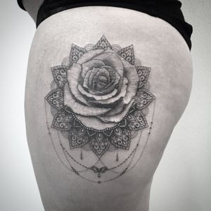 #rose #rosetattoo #mandala #mandalatattoo #rosemandala #lespetitspointsdefanny