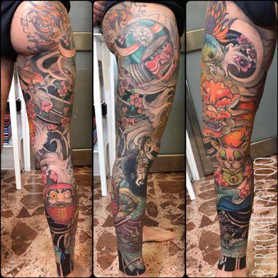 #japanesetattoo #Japanesestyle #ink #tattoo #tattoos #tattooed #tattooleg #tattooitalia #pirr #sicily #kabuto #foodog #manekineko #samurai #koifish #sakura