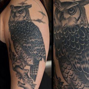 #owl #traditionaltattoo #blackandgrey #ochoplacastattoo #miami #javierbetancourt