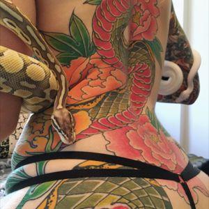 #snaketattoo #sexy #tatoodobabes #japanesetattoo #traditional
