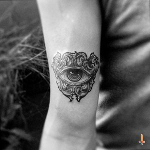 Nº220 The eye #tattoo #ink #eye #eyetattoo #thirdeye #spiritual #sacred #eyeofprovidence #ornaments #ornamental #ornamenttattoo #playadelcarmen #bylazlodasilva