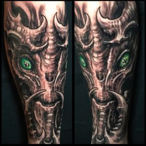 Freehand alien type creature tattoo done by Jeremiah Barba out of Orange County CA. US.