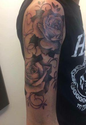 Done by Xenia Aarts - Resident Artist #tat #tatt #tattoo #tattoos #tattooart #tattooartist #ink #inked #inkedup #amazingink #blackandgrey #blackandgreytattoo #roses #rosestattoo #rosesleeve #amazingart #art #culemborg #netherlands