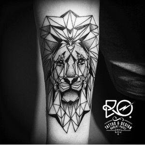 Artist #robertpavez #botattoo #geometric #linework #animal #lion