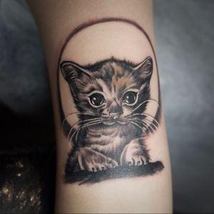 . #kittytattoo #cattattoo #realismtattoo #realistictattoo #animaltattoo #blackandgreytattoo #hongkongtattoo #hongkongtattooartist #tinytattoo #lifegoeson