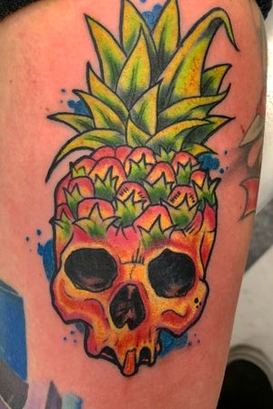 Pineapple skull newschool piece. #tattooartist #tattooart #colortattoo #NewSchoolArtist #newschool #skinhousestudio #coloradotattooartist #eternalink #pineapple #pineappletattoo #skull #skulltattoo