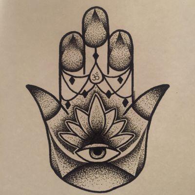 a design i did for a pal #hamsa #pointilism #dotwork #hamsahand #handofhamsa #om #lotus #allseeingeye #drawing #Black