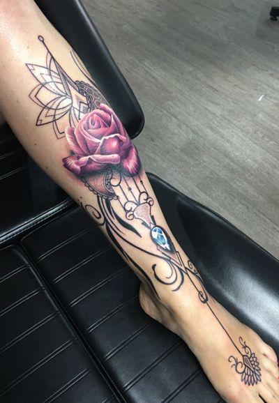 Shin piece from back in 2016! #thescientist #travellingtattooist #ornamentaltattoo #jeweltattoo #gemtattoo #rose #jewel #ornamental #ornate #blackwork #dotwork #realism #hennism #floraltattoo #tattoodo #tattoodoApp #tattoo #ink #inkedgirls #tattooedgirls #tattoooftheday #amazingtattoos #tatouage #tatuaje #tatuagem #ryansmithtattooist #tattooartist