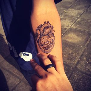 My (he)art 🖤 #faktattoo #draw #TattooGirl #tattoopontilhismo