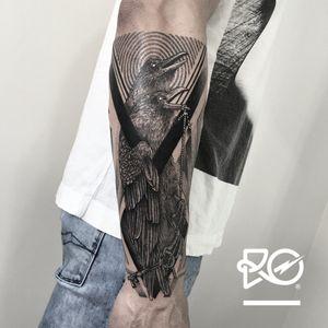 By RO. Robert Pavez • Black Crows • #engraving #dotwork #etching #dot #linework #geometric #ro #blackwork #blackworktattoo #blackandgrey #black #tattoo #crows #crowstattoo