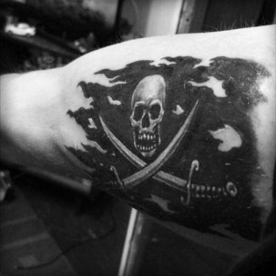 #pirate #skull #PirateFlag #flag #PiratesoftheCaribbean