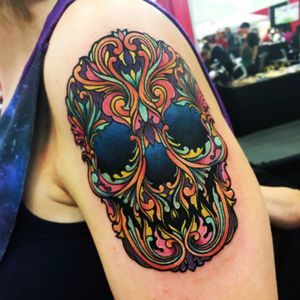Skull design I tattoed out of my coloring book. Remember to upload your dream tattoo and tag it #megandreamtattoo #colorful #skull #skulltattoo