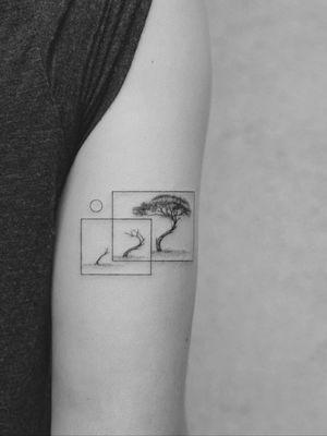 #tattoo #linework #lineworktattoo #minimaltattoo #minimalistic #blackandgrey #blackandgreytattoo #geometry #geometrytattoo #blackwork #tree