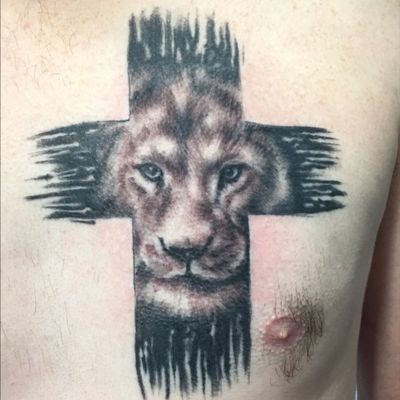 #blackandgray #blackandgrey #lion #cross #realism #realistict #liontattoo