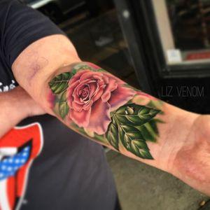 A pink #rose tattoo I did at @bombshelltattoogalerie in #edmonton #flowertattoo #floraltattoo #flowers #tattooflower #bombshelltattoo #tatttooidea #femininetattoo #tattoosforwomen #rosetattoo #realismtattoo #realistictattoo #watercolor #watercolour #watercolortattoo #watercolourtattoo #amazingtattoo #tattooroses #lizvenom