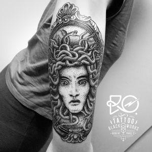 By RO. Robert Pavez • Black Medusa I • #engraving #dotwork #etching #dot #linework #geometric #ro #blackwork #blackworktattoo #blackandgrey #black #tattoo #medusatattoo