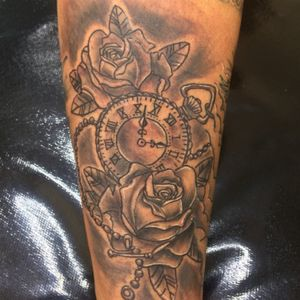 Clock #tattoing #blackangray #zn #sp #ink