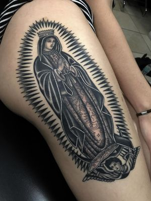 #traditionaltattoo #blackandgrey #ochoplacastattoo #miami #javierbetancourt #woman #virgin #virgendeguadalupe #religious