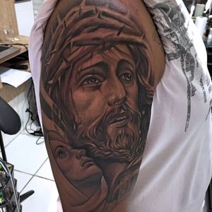 #realism #realismtattoo #blackandgrey #blackandgreytattoo #christ #religioustattoo #religioustattoos #JesusChrist #jesus #jesuscristo