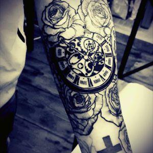 #oldwatch #watch #watchtattoo #rose #rosetattoo #roses #rosestattoo #cross #crosstattoo