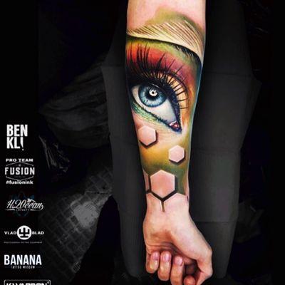 #BenKarnofsky #eye#3d#honeycomb