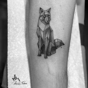 Geometric fox. #geometrictattoo #lineworktattoo #foxtattoo