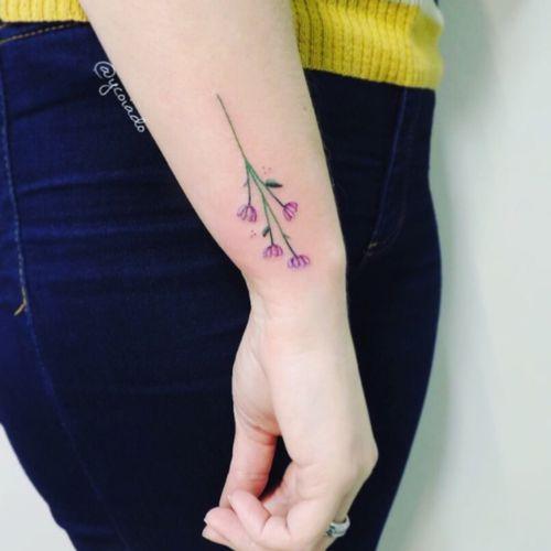 #branch #tulip #watercolor #watercolour #watercolortattoo #watercolortattooartist #tattoo @ycoiado