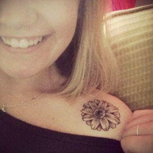 First Tattoo! 11.15.15 #firsttattoo #daisy #flower #flowerchild #shoulder #zentattoo #confidence #selfmotivation #beautiful #mybodyismycanvas