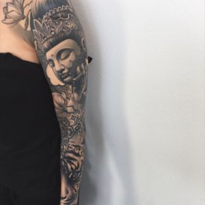Healed and finished sleeve #tiger #tigertattoo #peaceful #buddhism #blackandgrey #mandala #tattoodo #inkjecta #wearesorrymom #killerinktattoo