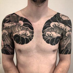 Wave #btattooing #blackboldsociety #blacktoptattooing #BLXCKINK #oldlines #tattoosandflash #darkartists #tattoosandflash #topclasstattooing #darkartists #thebesttattooartist #japanesetattoos #irezumitattoo #horimono #tatuaggiogiapponese #orientaltattoos #irezumcolletctive #waterlawtattoobutter #tattoodo #tattoodoambassador
