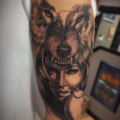 #wolf #woman #headdress #sleeve