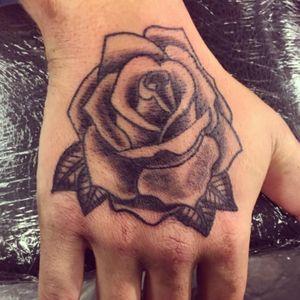 #eastside #eastsidetattoo #inked #ink #tattoo #handtattoo #rose #rosetattoo #guyswithtattoos #inkedguys ##menwithtattoos #tattooedguys