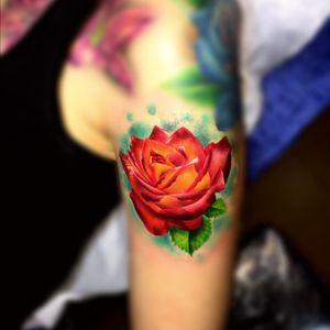 Rosa realista en color #cleyvitontattoo #bilbao #thebestspaintattooartists #Spain