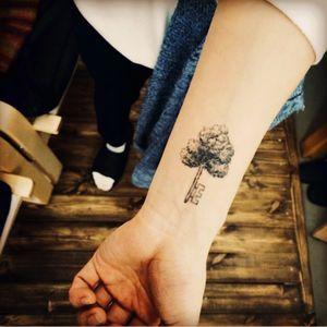 #tattooistdoy#tree#key #nature