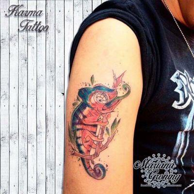 Watercolor chamaleon tattoo #tattoo #tatuaje #color #mexicocity #marianagroning #tatuadora #karmatattoo #awesome #colortattoo #tatuajes #claveria #ciudaddemexico #cdmx #tattooartist #tattooist #watercolor #watercolortattoo