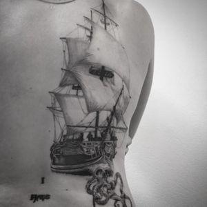 #pirate #pirateship #pirateshiptattoo #ship #shiptattoo #octopus #octopustattoo #lespetitspointsdefanny