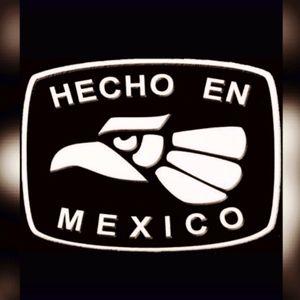 Soy Mexicano, y amo mi país. Levanto la voz al mundo entero por mi gente, por mi país, y por la justicia social en el mundo entero!!!! 👊🏼 MAKE RACISIs AFRAID AGAIN!!!