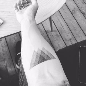 #dotwork #mountain #geometric