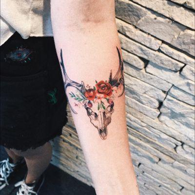 #deer #animalskull #watercolor #floral #rose #skull Tattoo Artist: @LCjunior