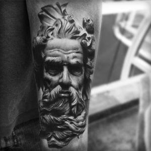 #AlexBruz #statue #greekstatue #greekgod #portrait #hyperrealism