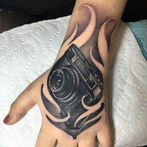 Tattoo I made at the Inti Tattoo Expo in Peru #megangdreamtattoo #camera #cameratattoo #realistic #blackAndWhite